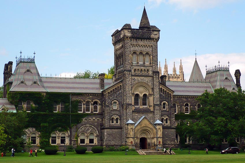 5 دانشگاه برتر کانادا - دانشگاه تورنتو - سازمان مهاجرتی lit