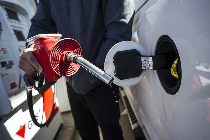 قیمت بنزین در کانادا