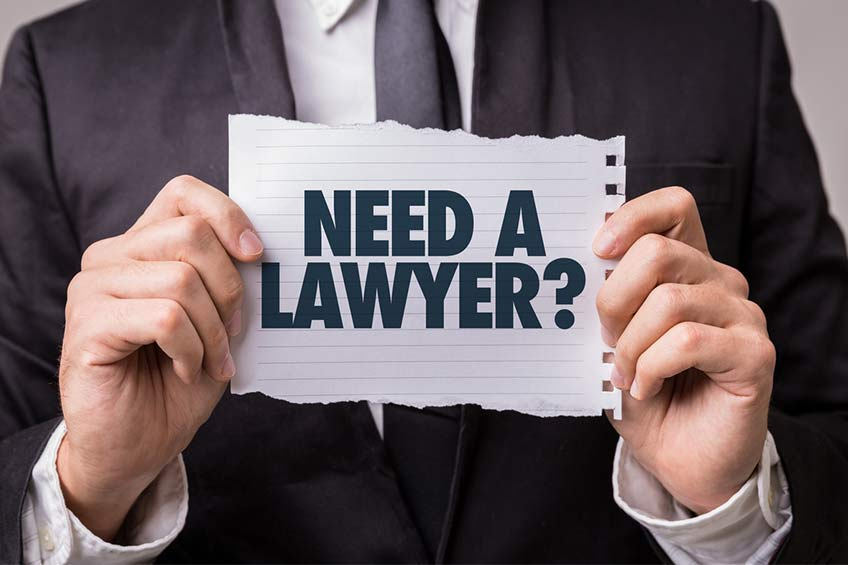 آیا برای مهاجرت به کانادا نیازی به وکیل است؟